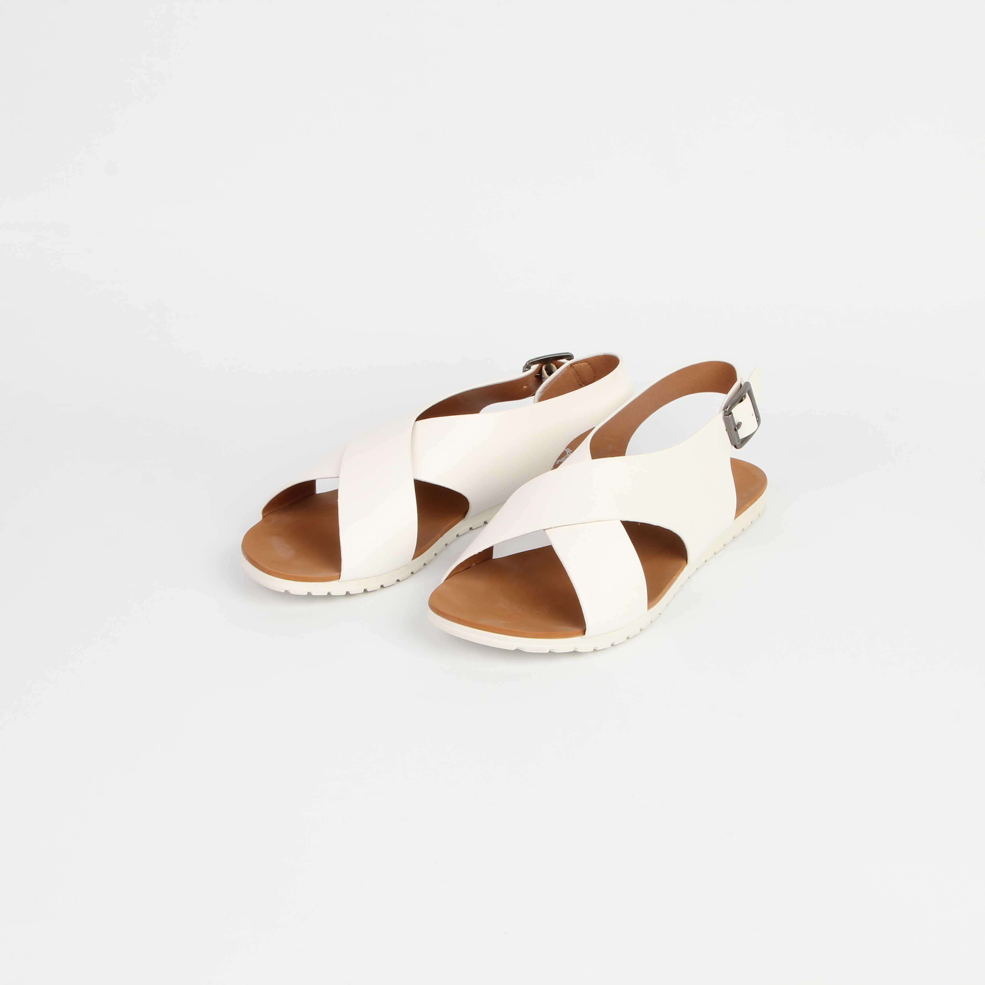 Женские сандалии с перекрещенными ремешками