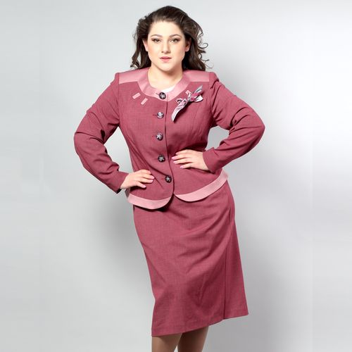 Костюм женский: жакет и юбка