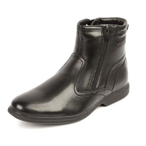 Высокие мужские зимние ботинки декорированные строчкой