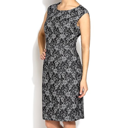 Платье с ажурной вышивкой платье с вышивкой