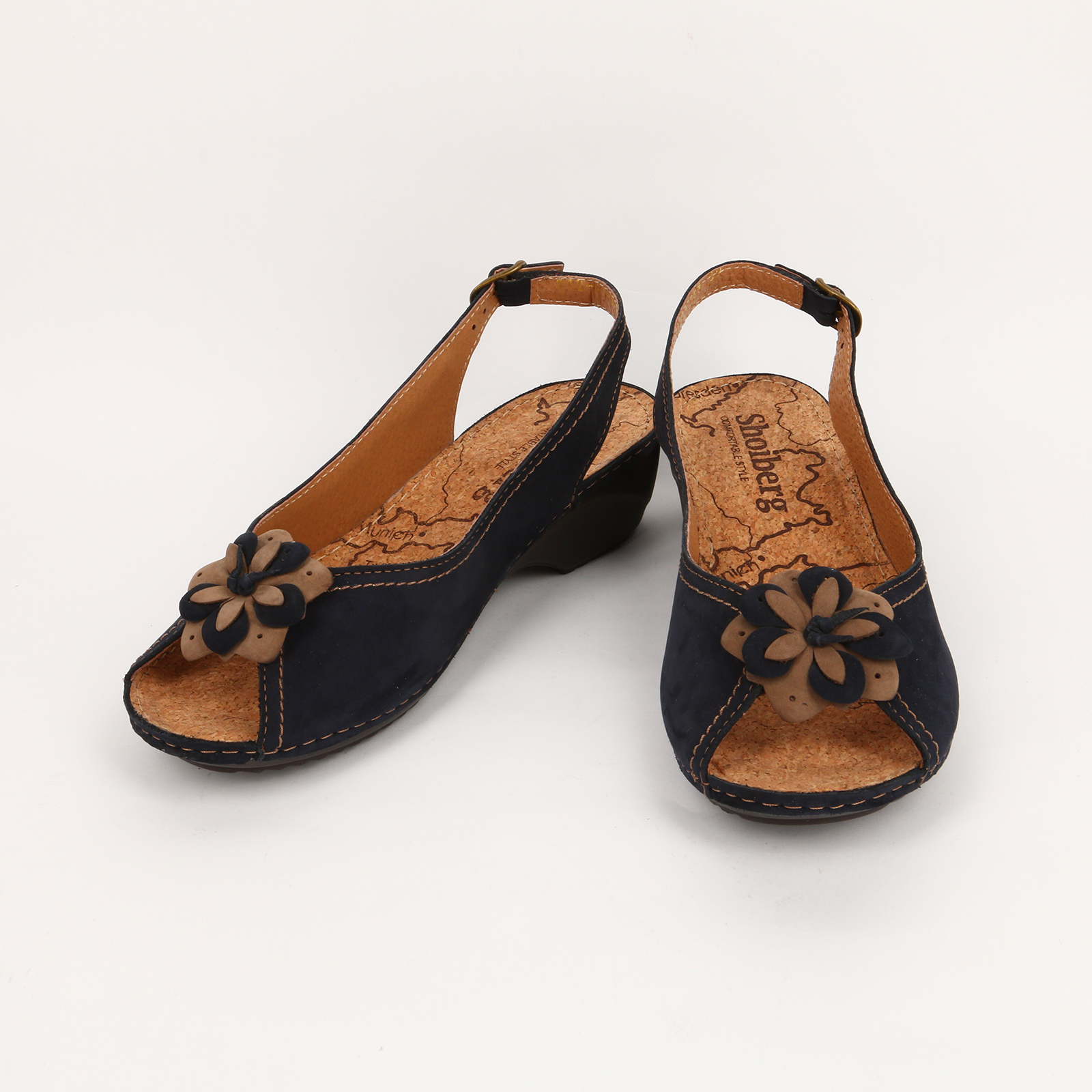 Босоножки с текстильным цветком на носке