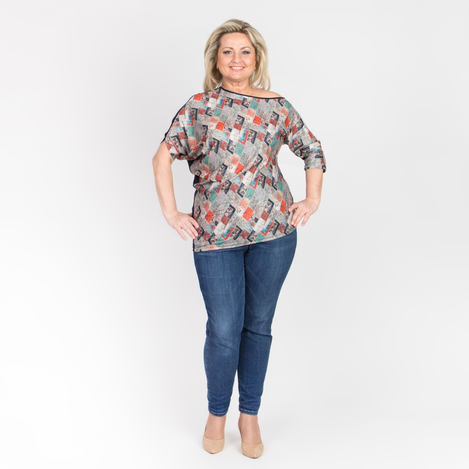 Блуза оригинального кроя с геометрическим принтом виброплатформы для похудения в алматы в интернет магазине