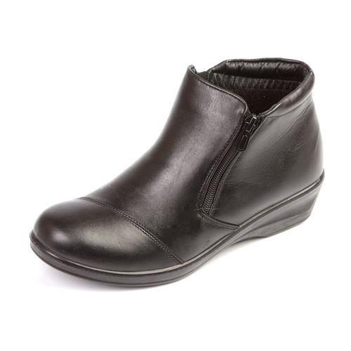 Демисезонные ботинки с удобной подошвой