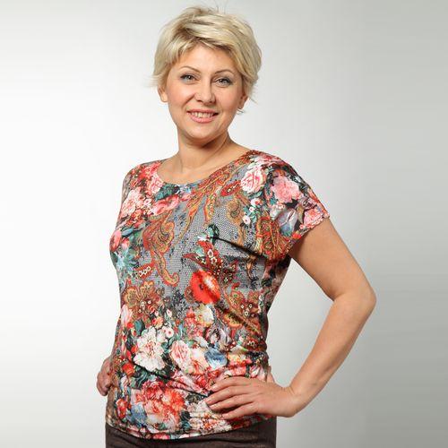 Блуза с коротким рукавом и модным принтом