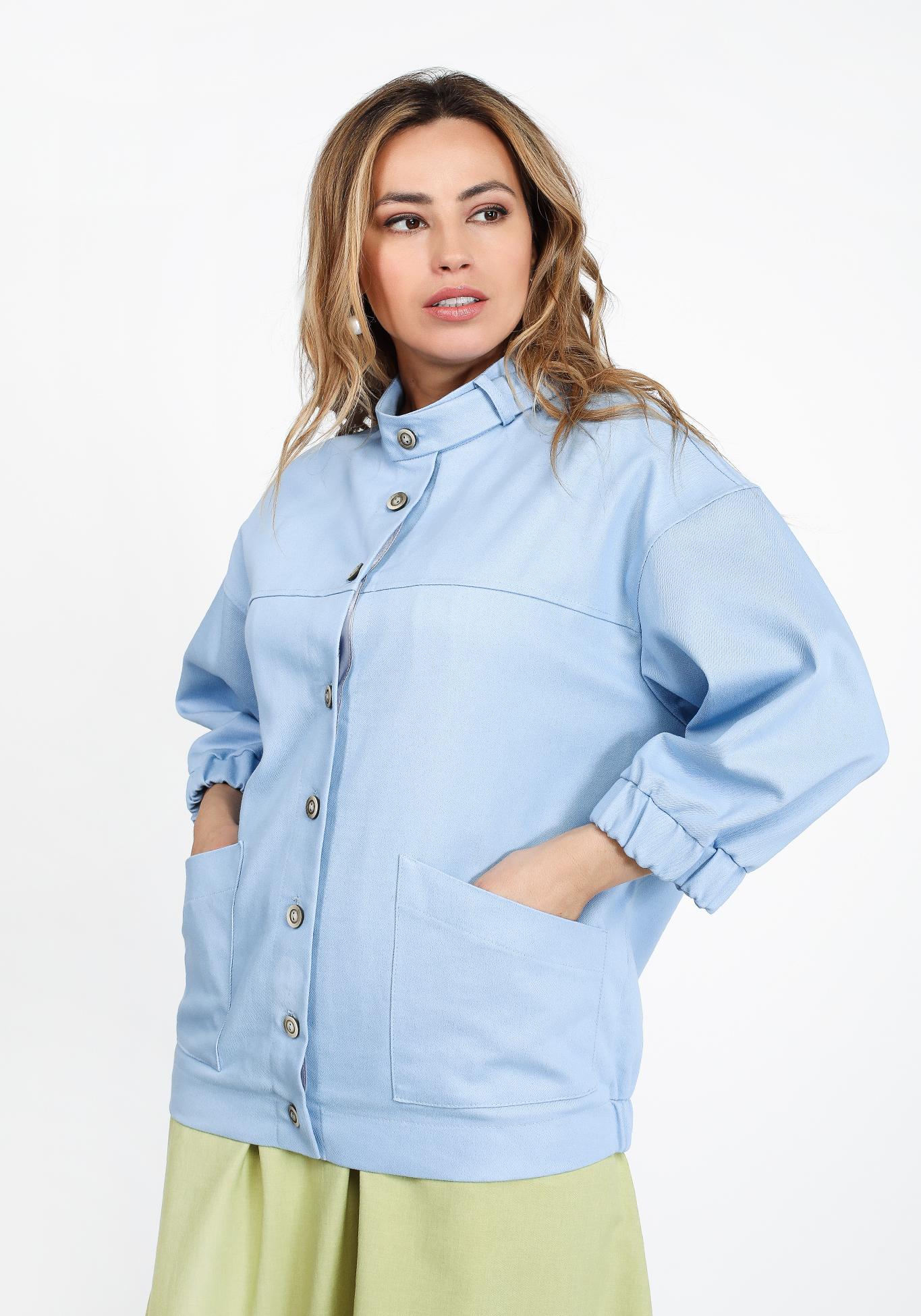 Жакет из джинсовой ткани на пуговицах