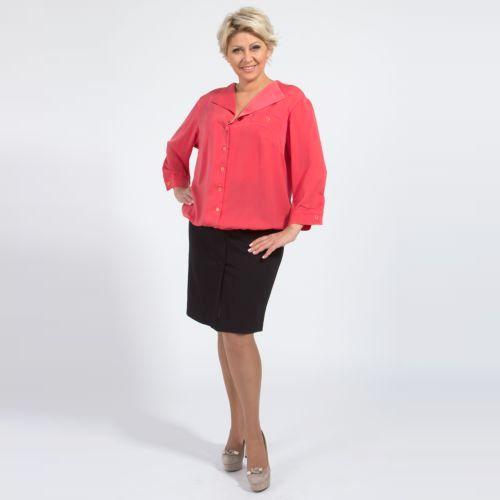 Блуза с отложным воротником и резинкой по низу