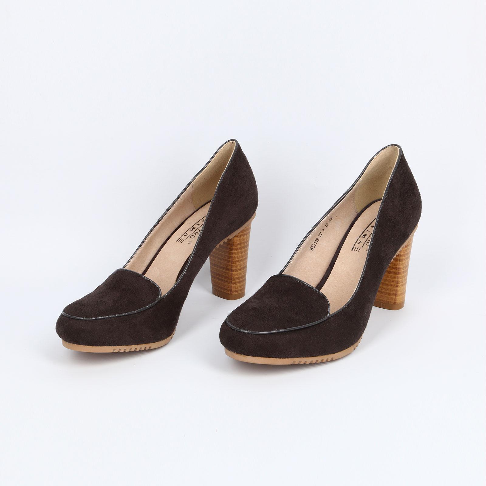Туфли на наборном каблуке и рифленой подошве