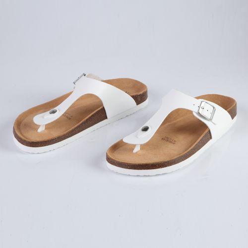 Женские сандалии украшенные перфорацией и ремешком