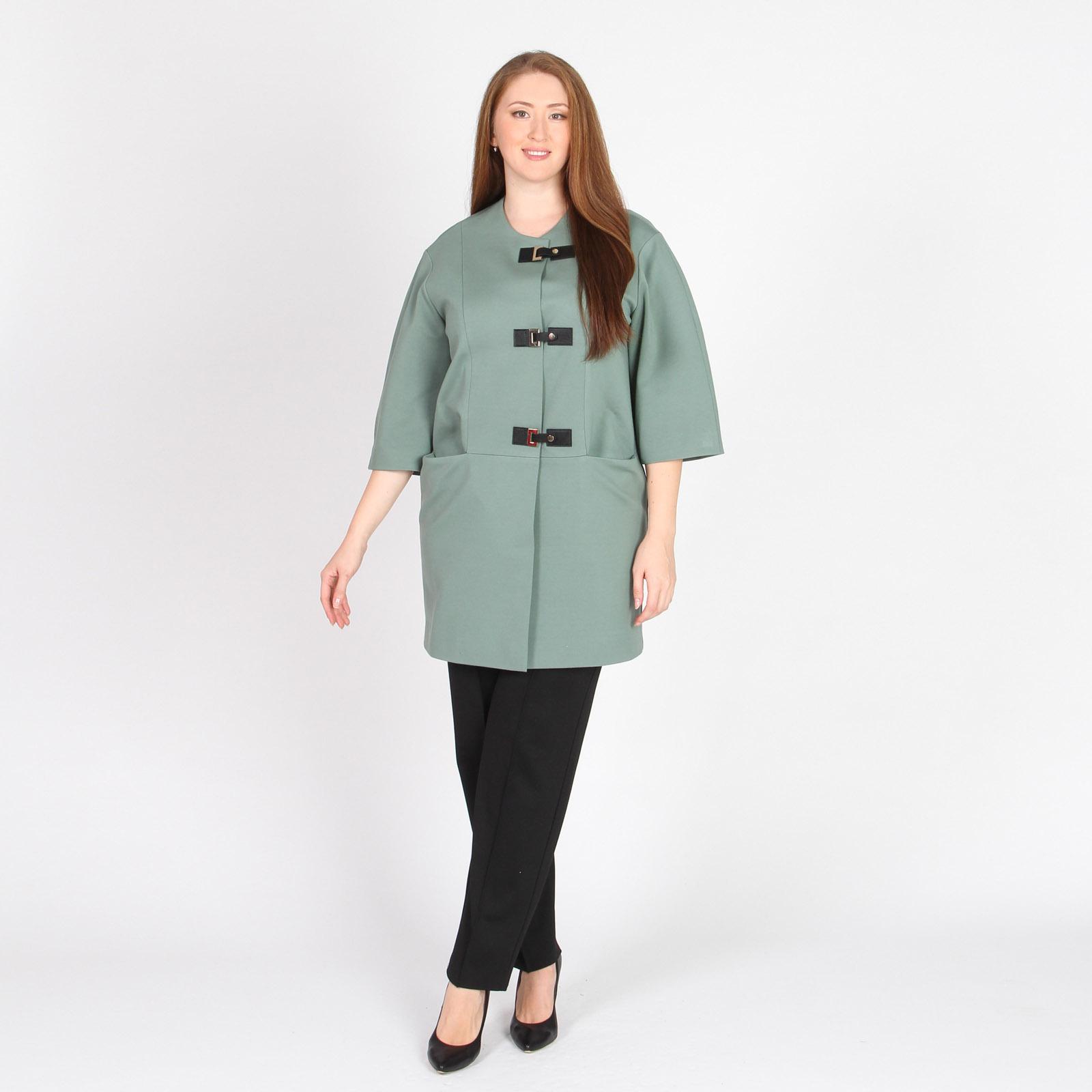 Пальто с оригинальными застежками