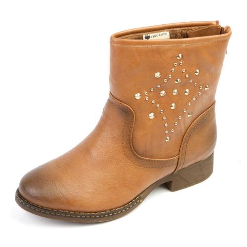 Женские зимние ботинки с клепками