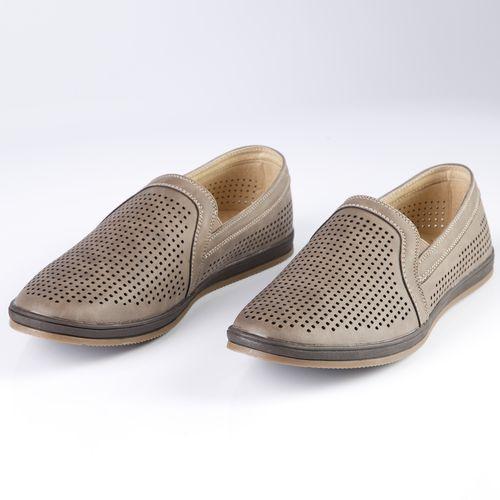 Туфли мужские украшенные сквозной перфорацией