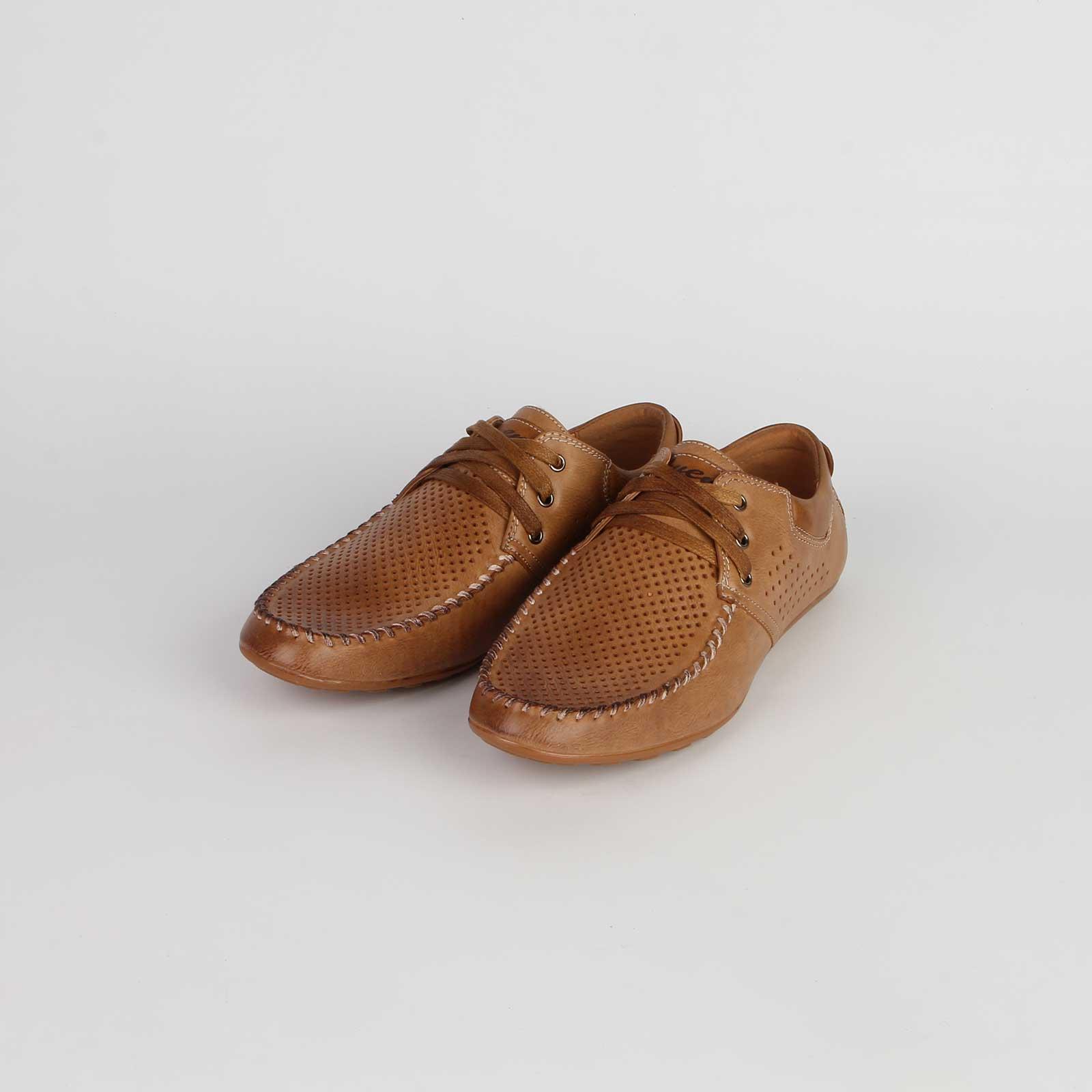 Туфли мужские перфорированные украшенные строчкой