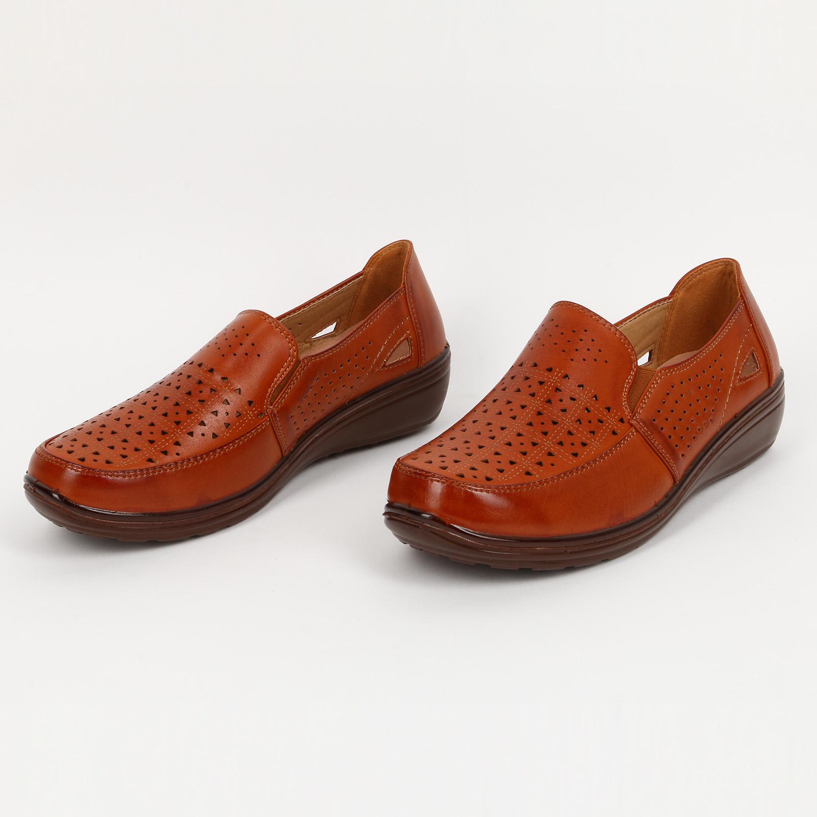 Ботинки с перфорацией