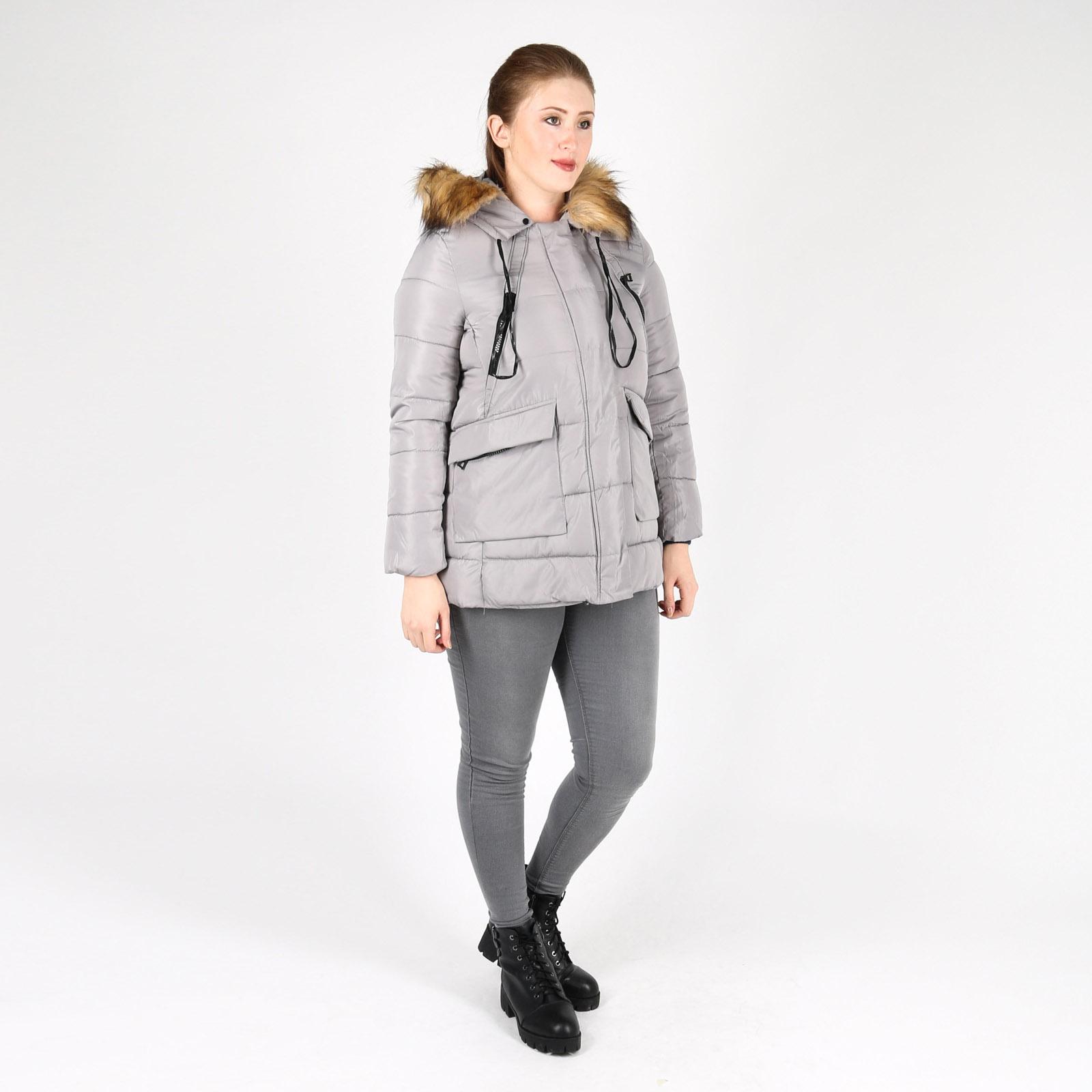 Куртка с карманами на молнии и капюшоном