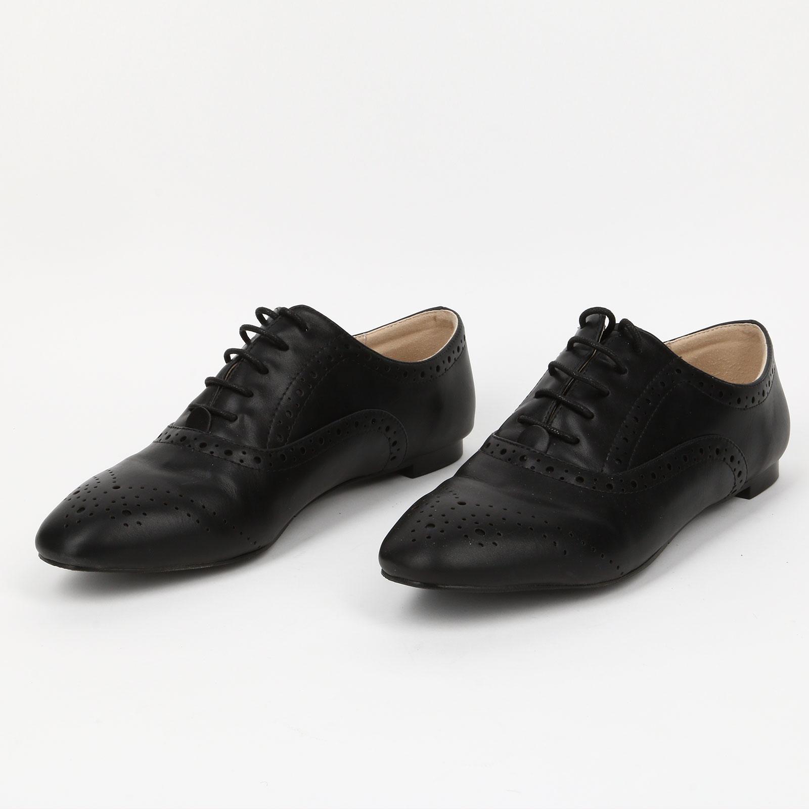 Туфли с перфорацией на шнуровке