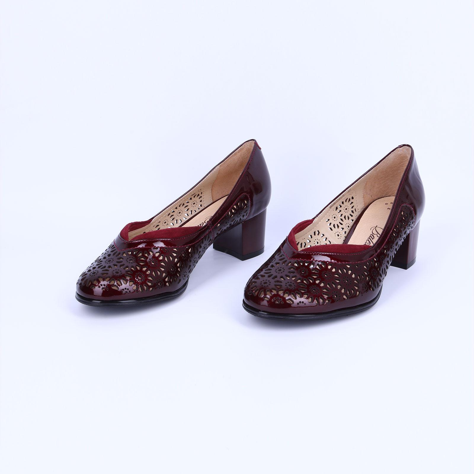 Летние женские туфли с перфорацией