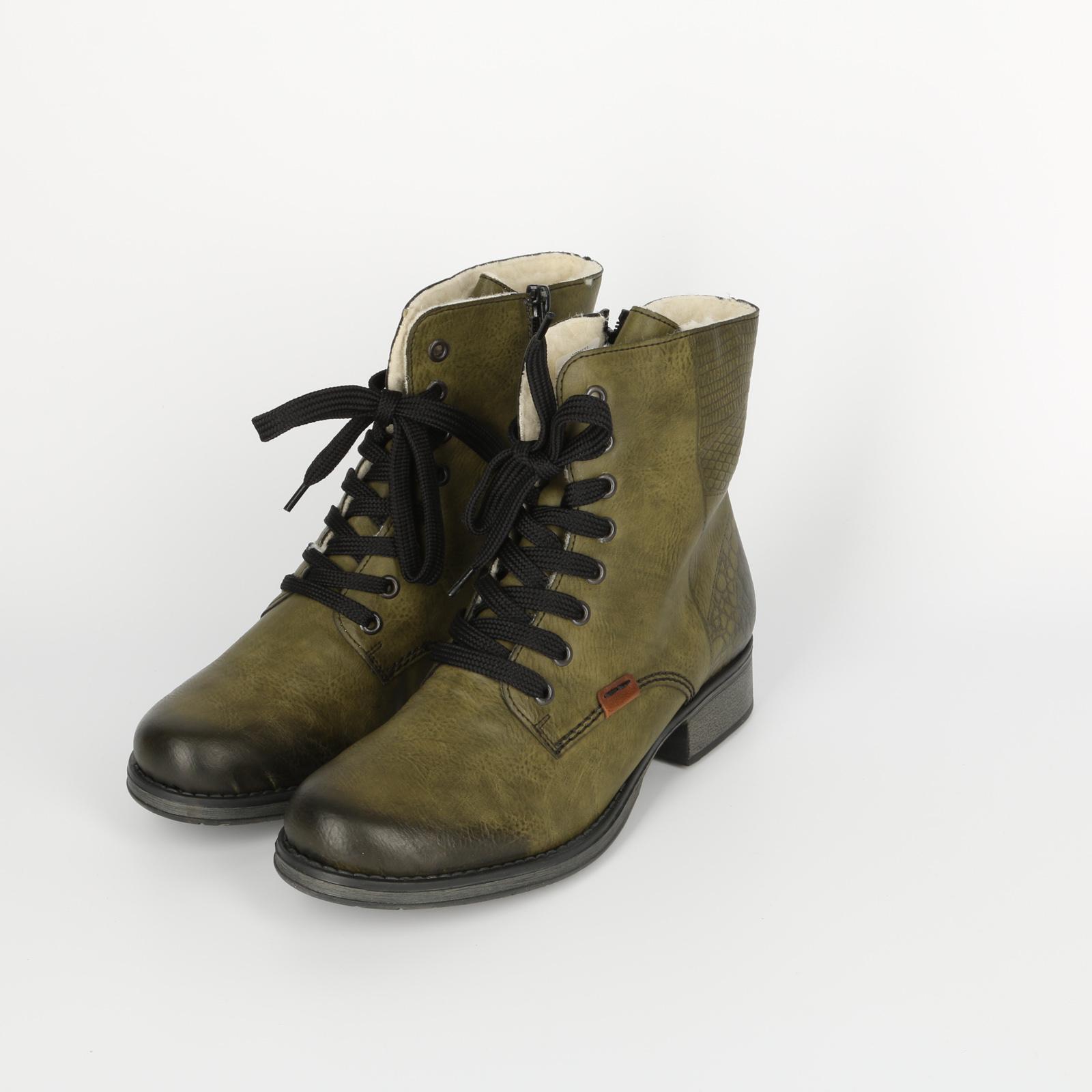 Ботинки женские на модной шнуровке