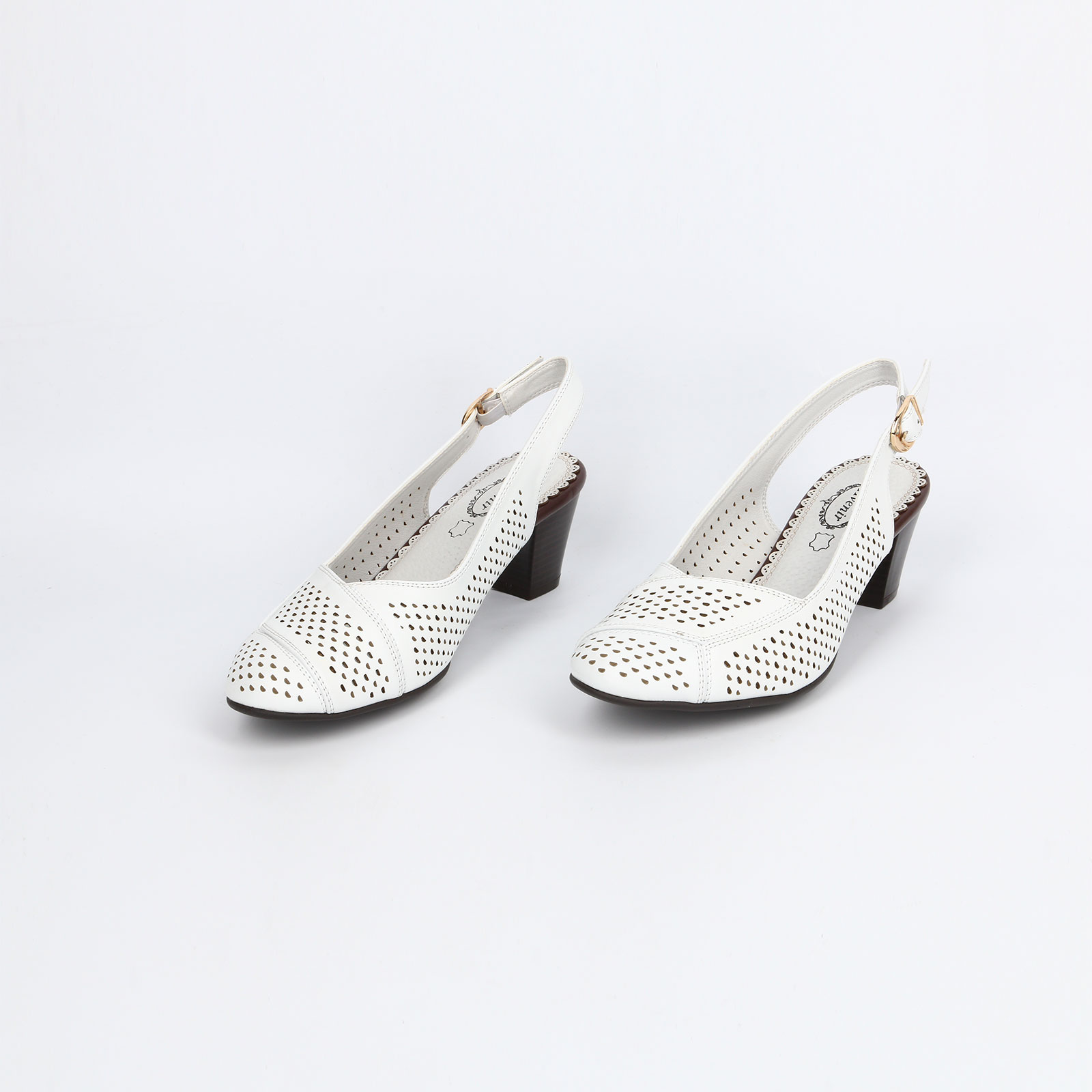 Туфли женские с перфорацией и открытой пяткой