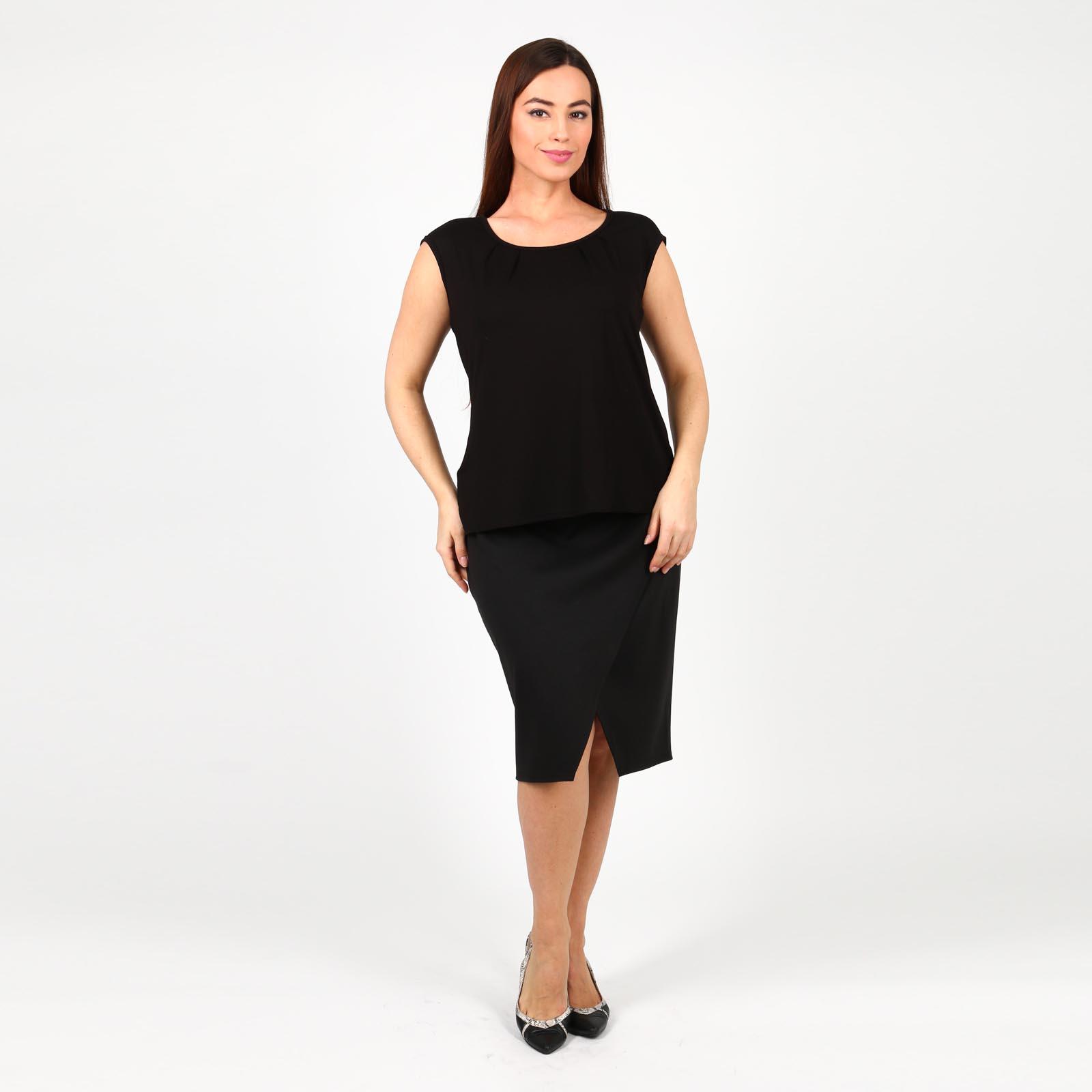 Блуза с округлым вырезом и защипами