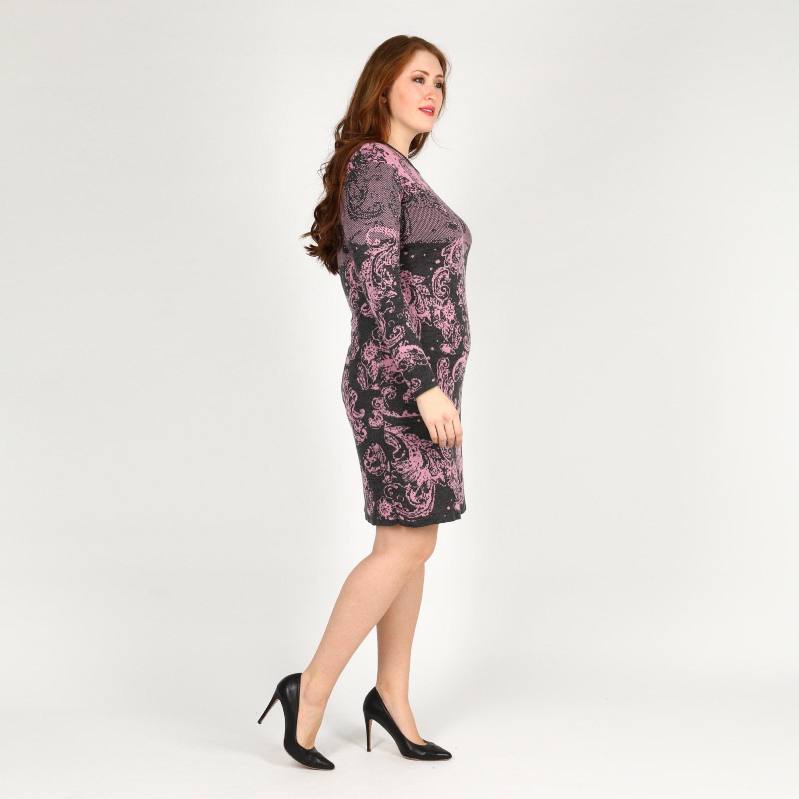 Платье трикотажное с узорным принтом