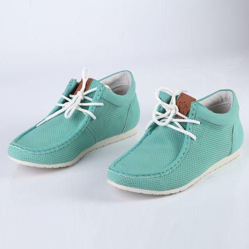 Женские ботинки на шнуровке украшенные строчкой и перфорацией