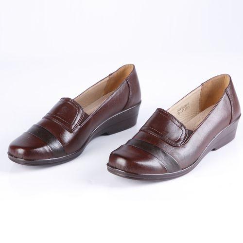Туфли женские украшенные строчкой с эластичными вставками по бокам