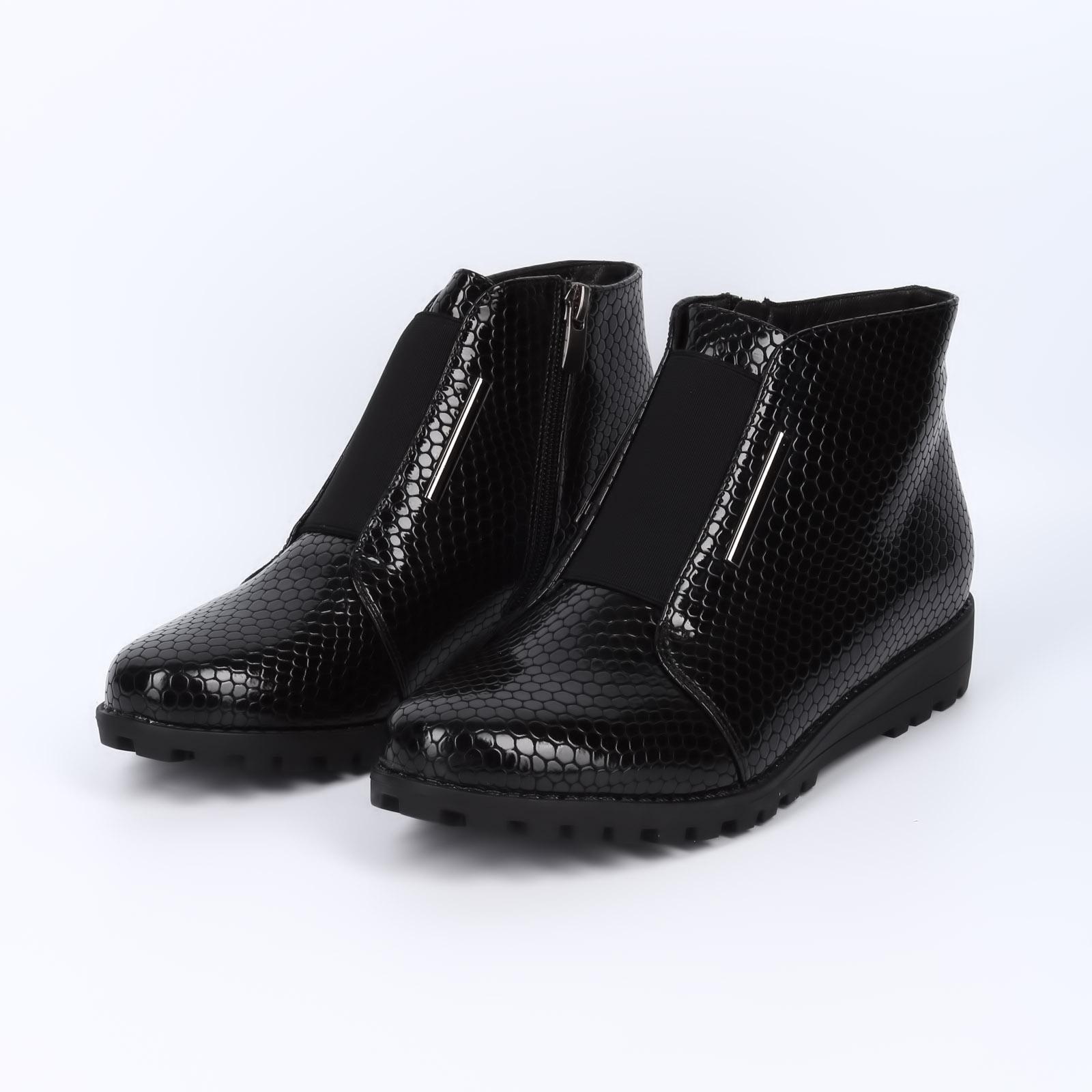 Женские ботинки лакированные под рептилию