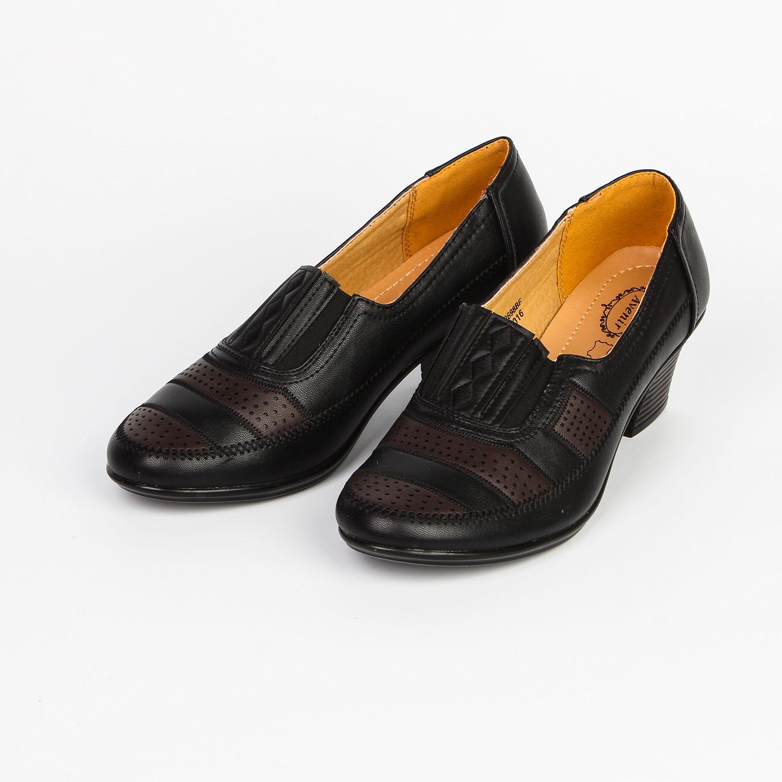 Туфли женские с перфорированными вставками