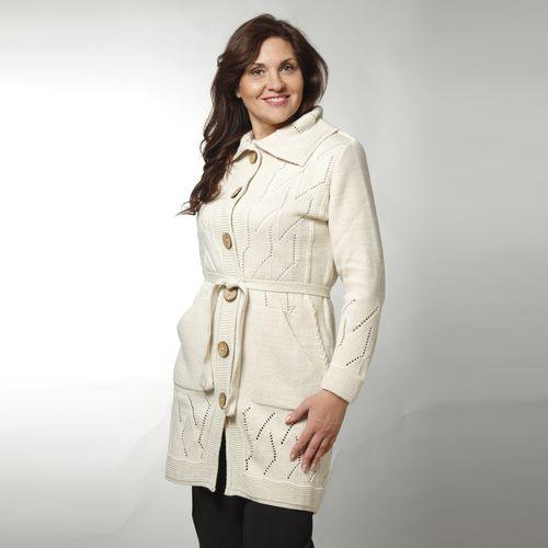 Пальто вязаное на пуговицах с поясом