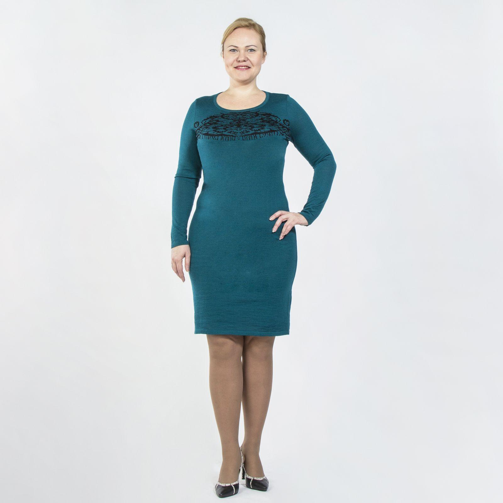 Платье с длинным рукавом и абстрактным принтом на груди