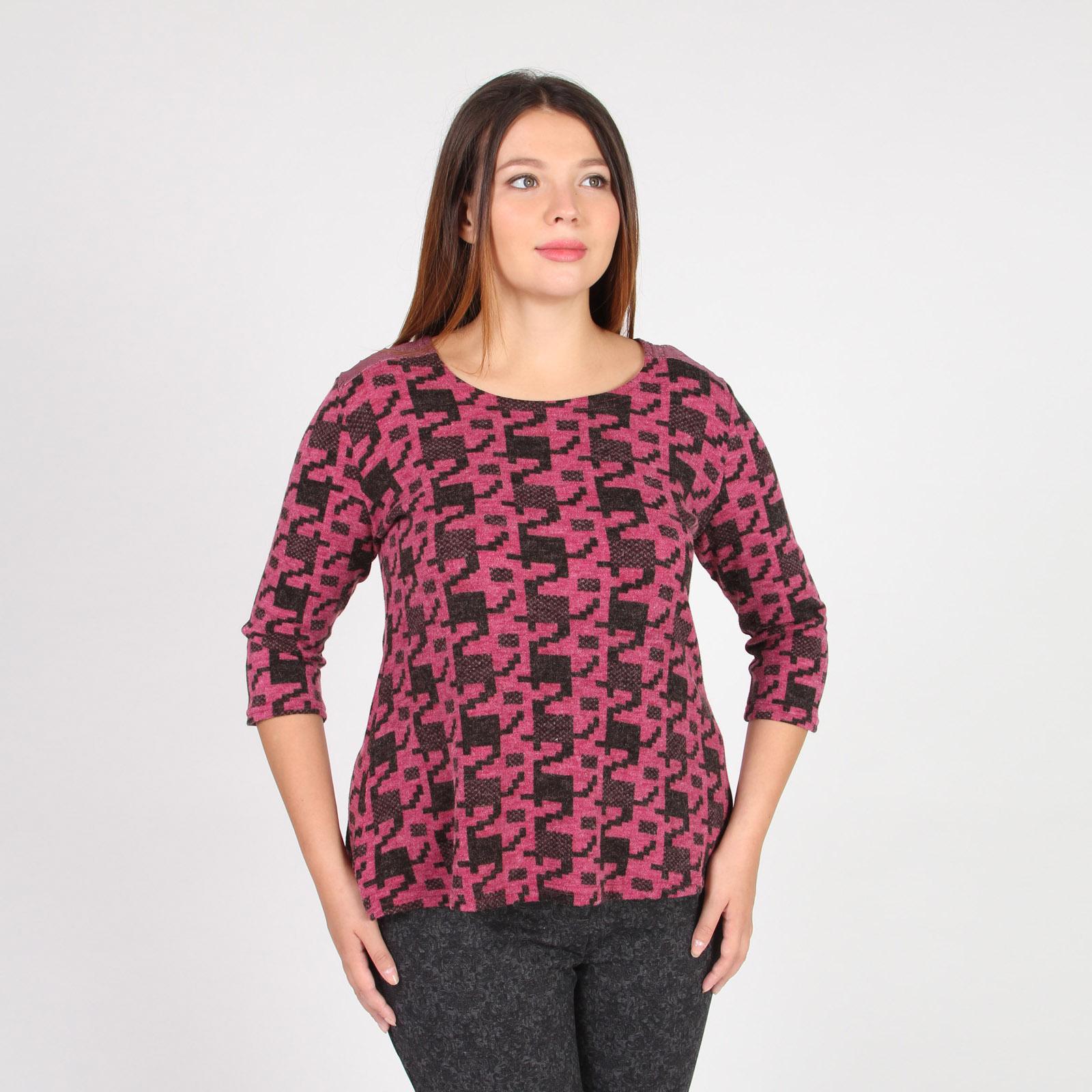 Блуза трикотажная с гипюровыми вставками