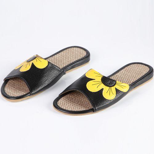 Тапочки женские украшенные желтым цветком