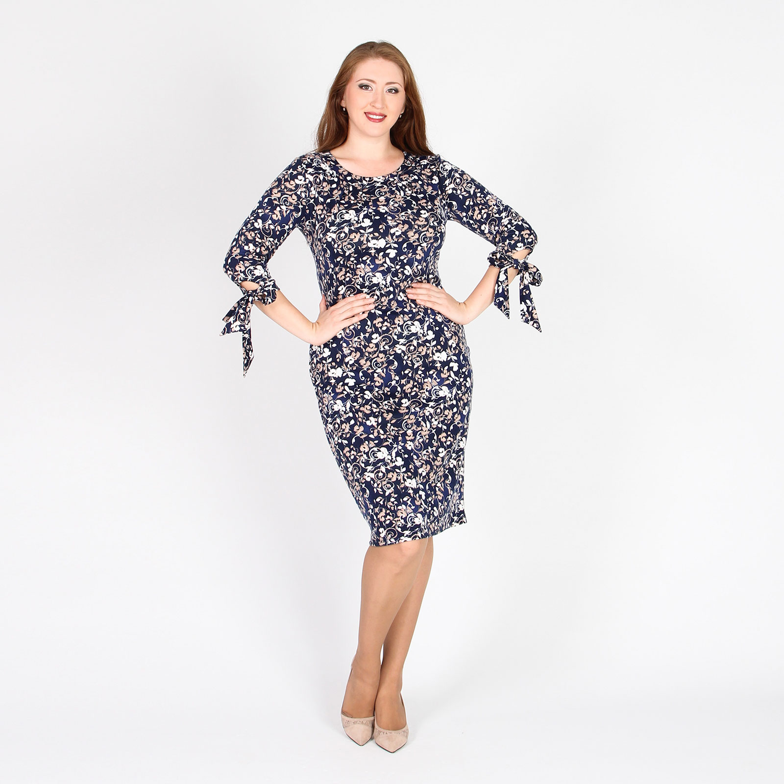Платье-футляр с оригинальными рукавами