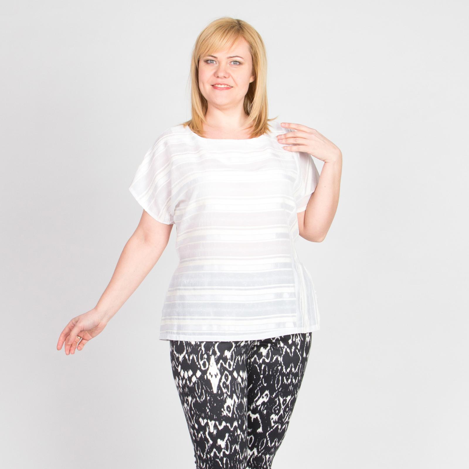 Блуза с коротким рукавом и бархатными вставками