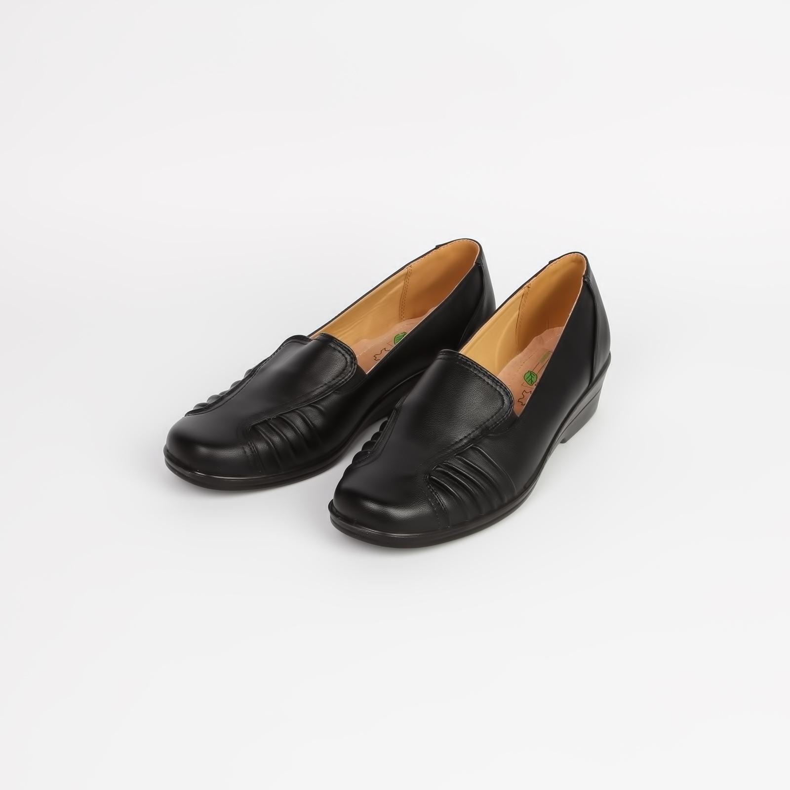 Туфли женские с эластичной вставкой