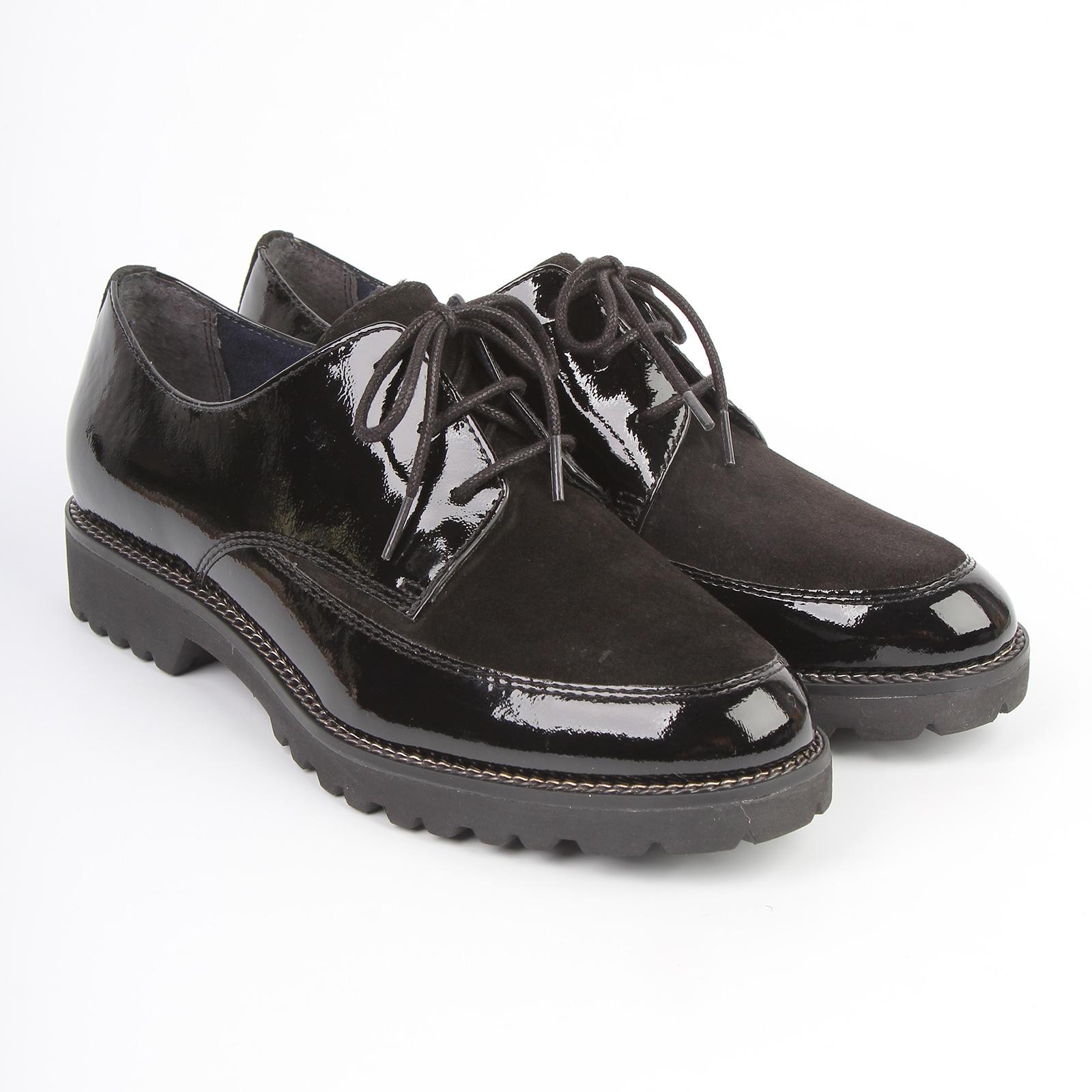 Ботинки женские лакированные на шнуровке и вставкой на мысу