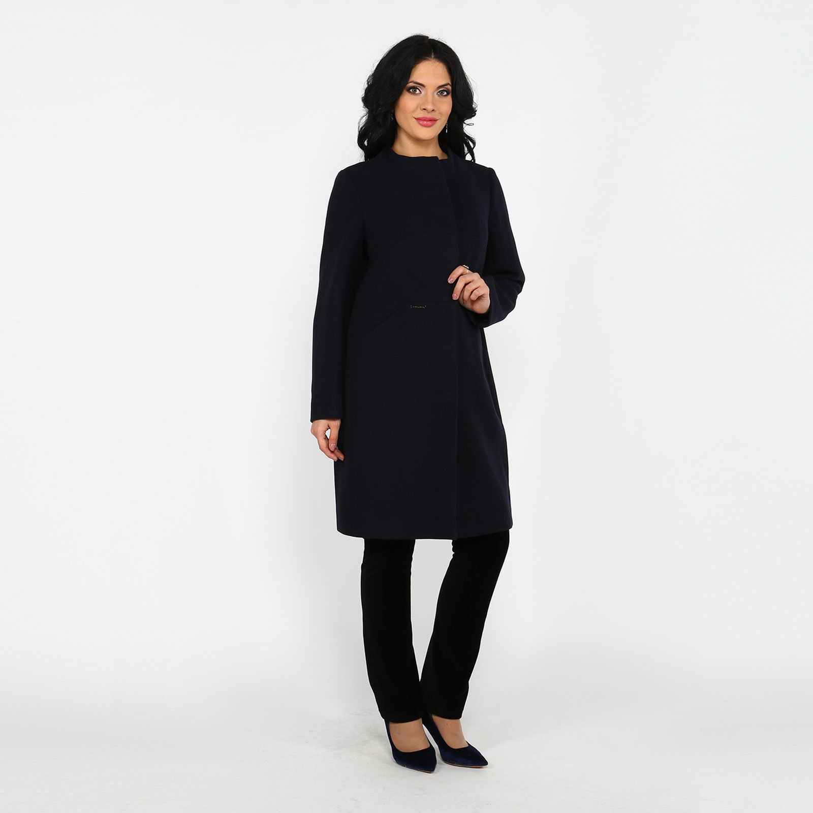 Пальто полуприлегающего силуэта с карманами