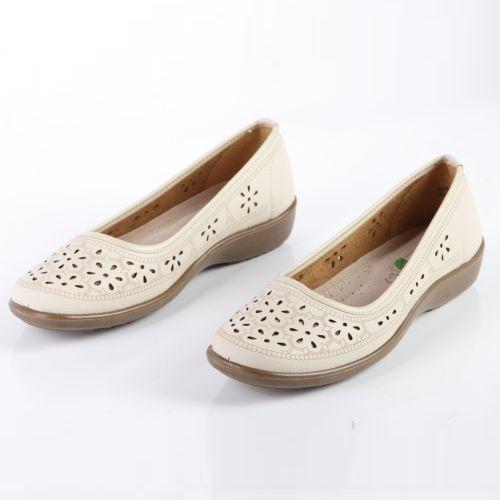 Женские туфли на утолщенной подошве декорированные перфорацией «капля»