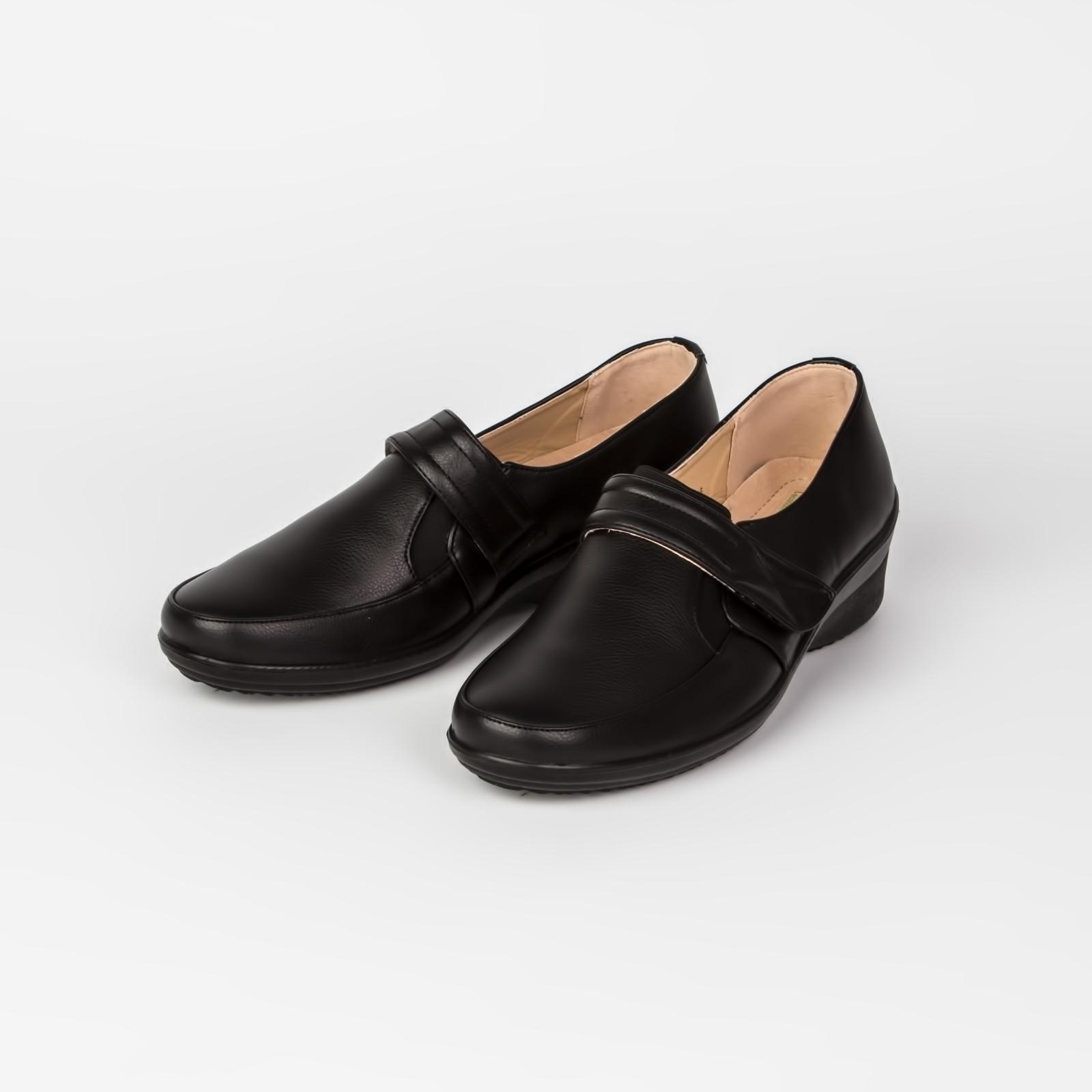 Ботинки женские на липучке с эластичной вставкой