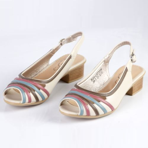 Женские босоножки на устойчивом каблуке декорированные цветными вставками