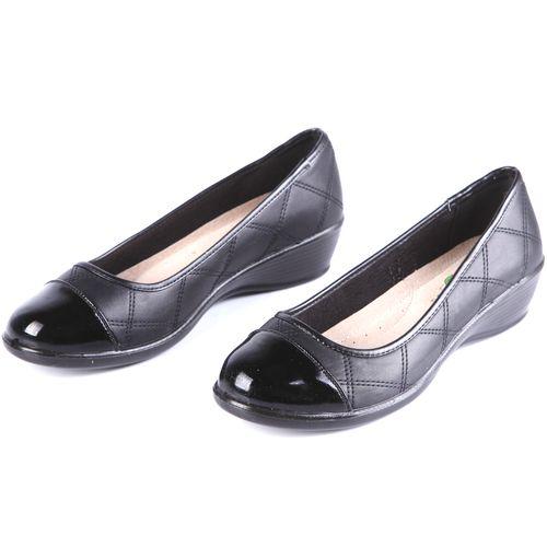 Туфли женские с декоративной строчкой