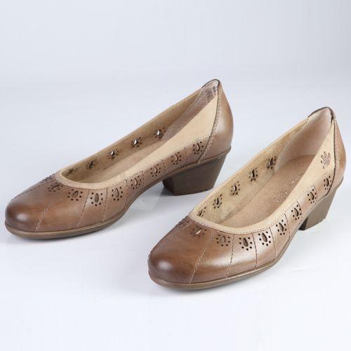 Женские туфли из натуральной кожи декорированные оригинальной перфорацией