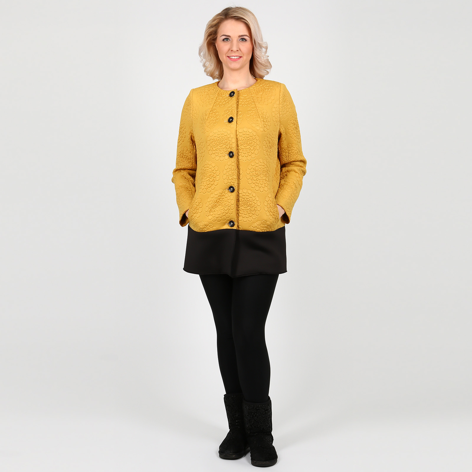 Пальто на пуговицах из контрастной ткани