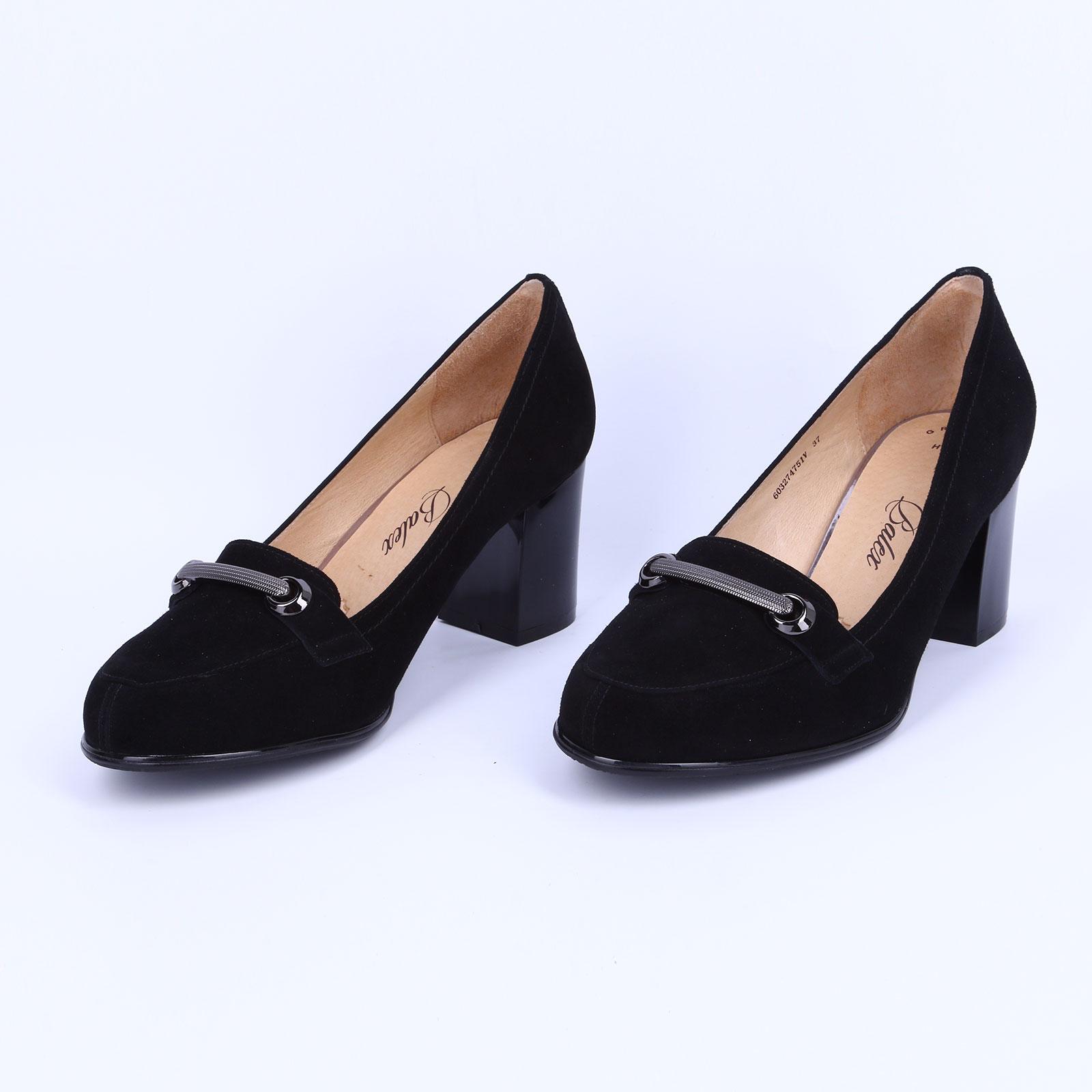 Туфли женские велюровые на каблуке