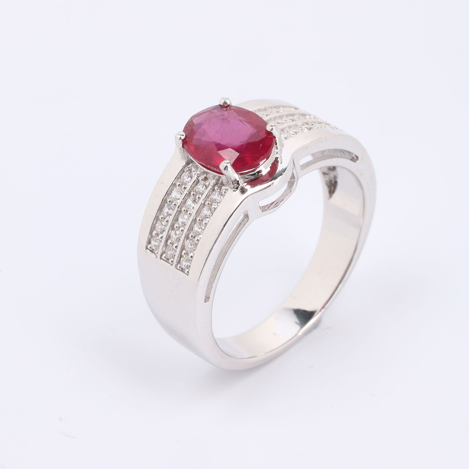 Серебряное кольцо «Муза любви»