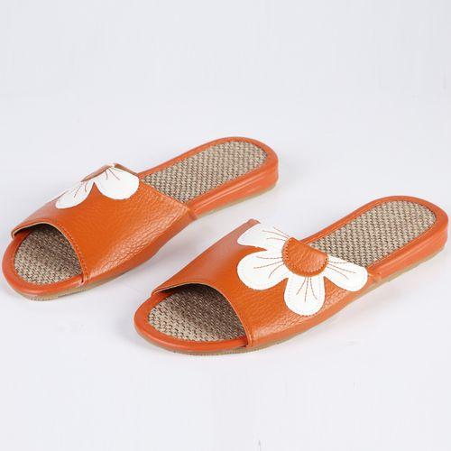 Тапочки женские украшенные белым цветком