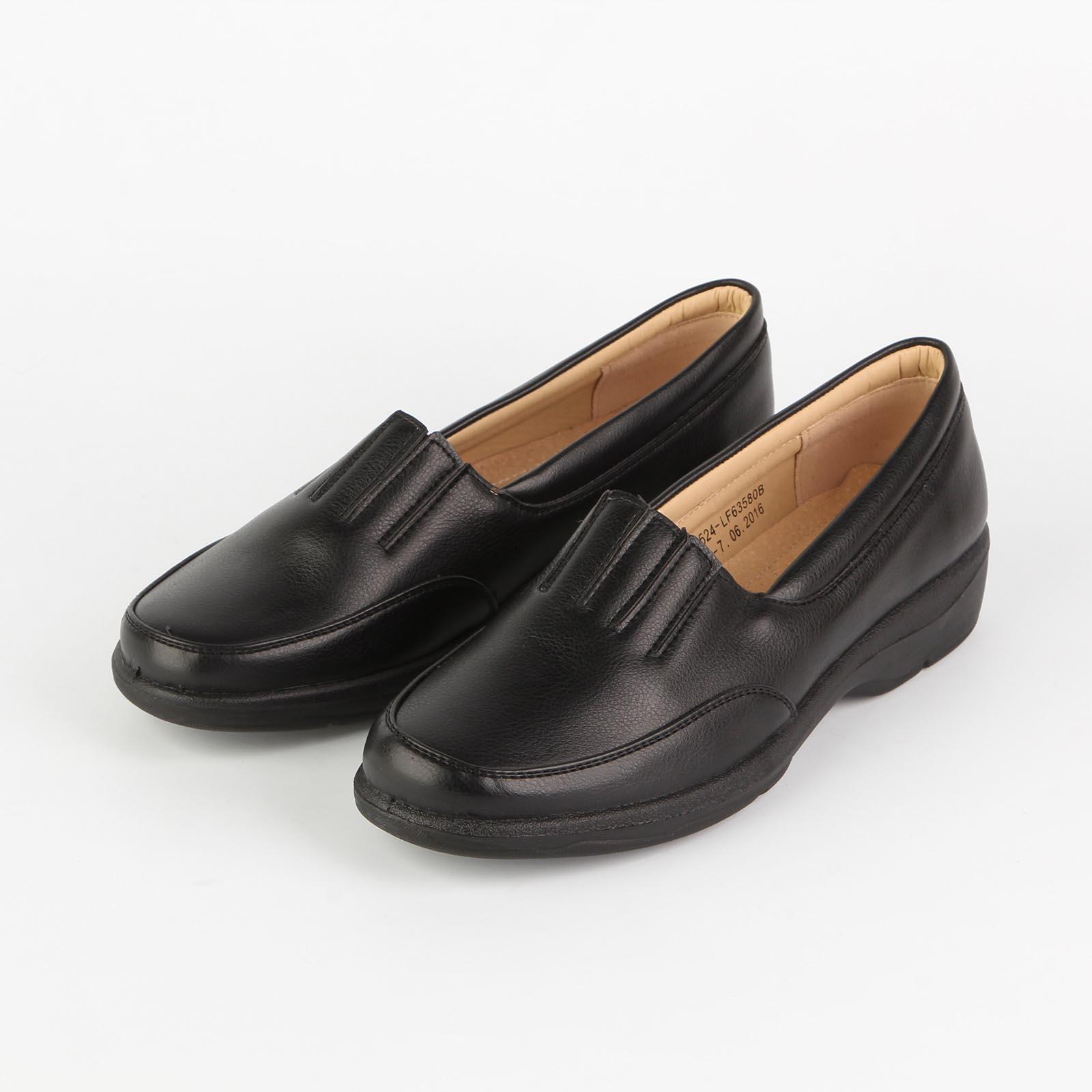 Туфли женские с прострочкой на «язычке»
