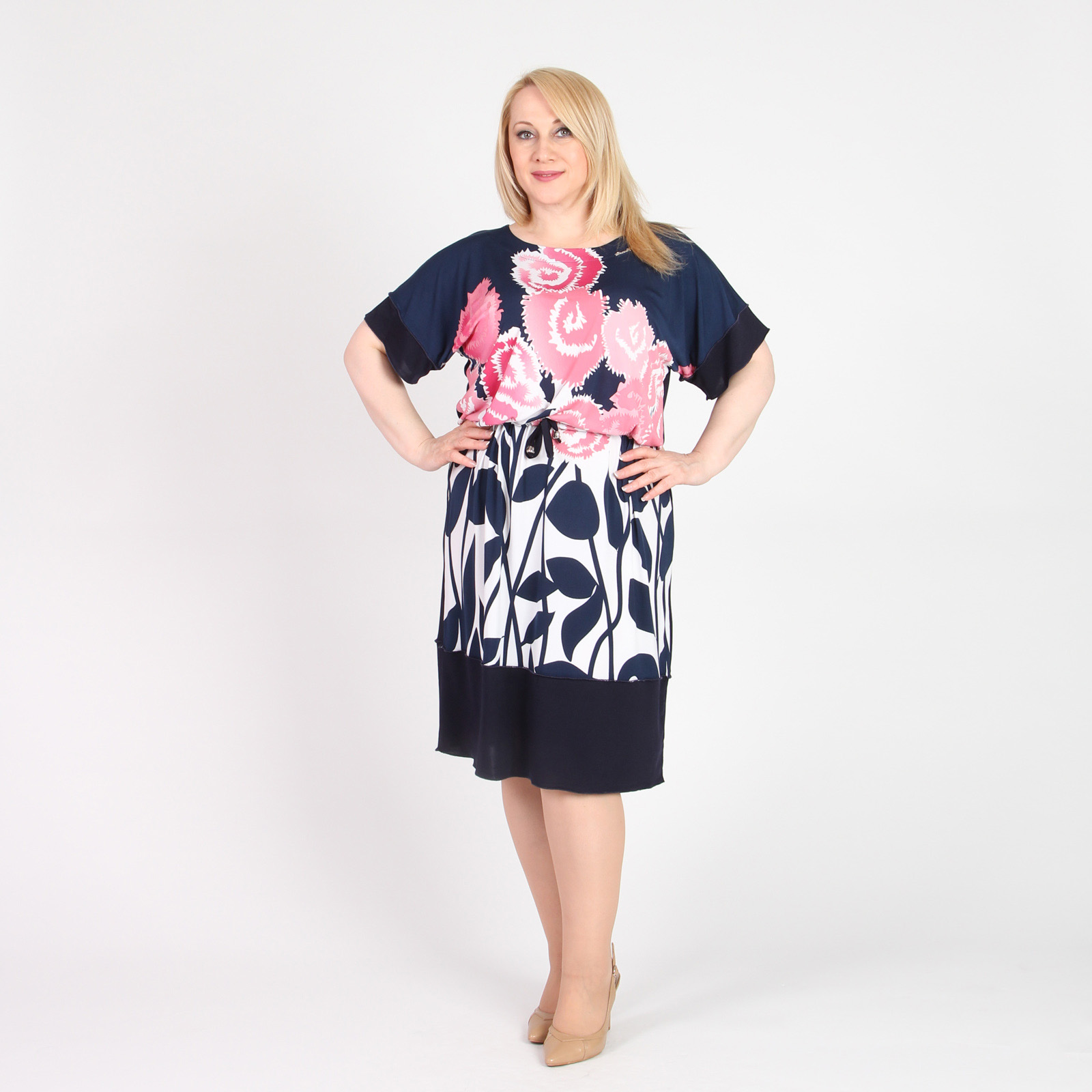 Платье-миди с цветочным принтом и кулиской на талии
