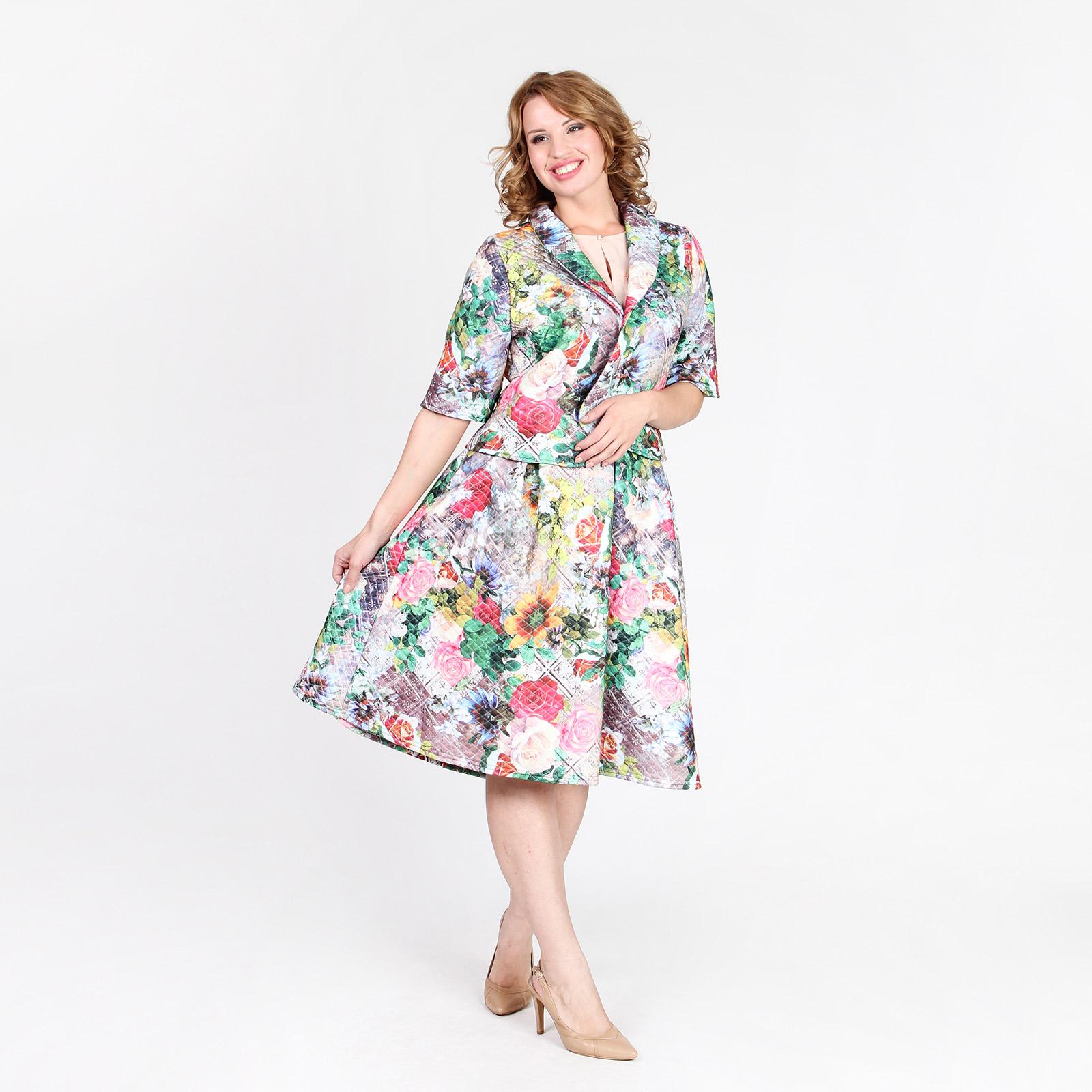 Костюм из фактурной ткани: жакет и юбка