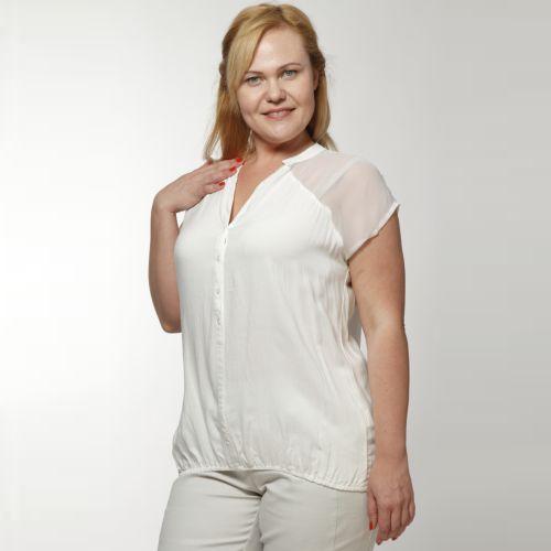 Блуза с прозрачной кокеткой на пуговицах